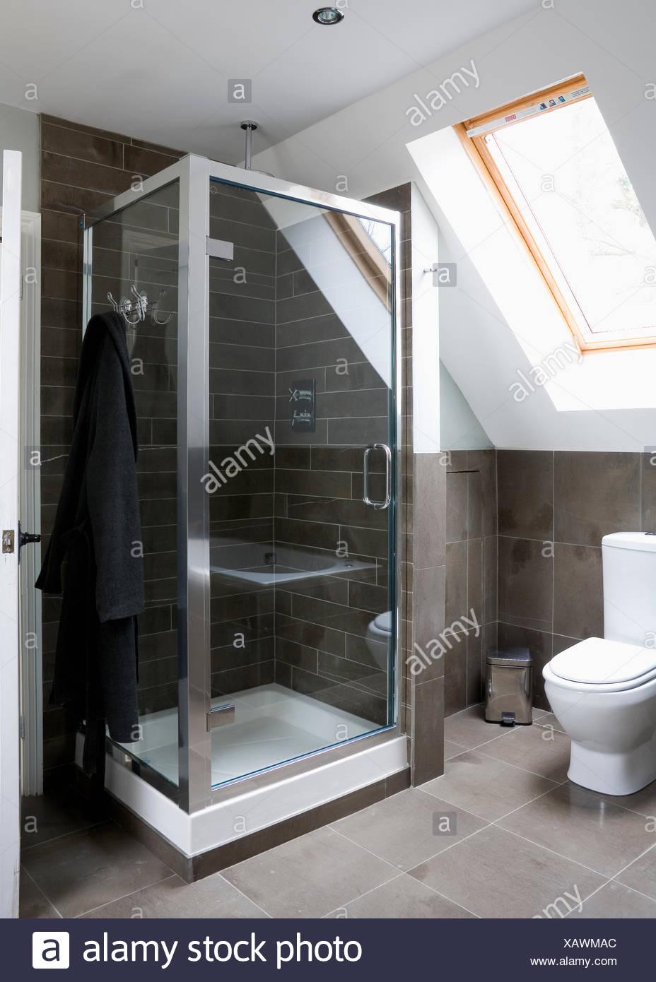 Calcare pavimenti e rivestimenti in moderni loft la - Doccia con finestra ...