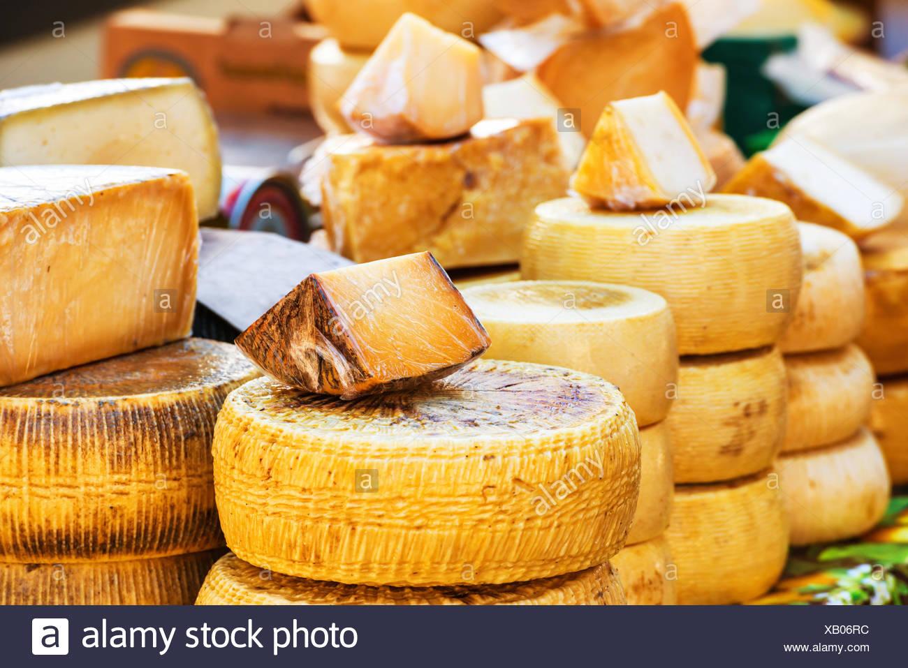 Diversi tipi di formaggio italiano Immagini Stock