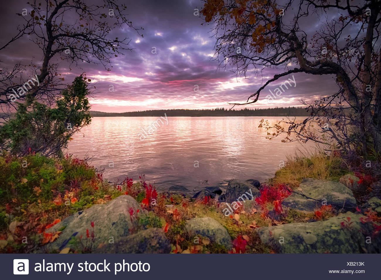Vista del lago al tramonto Immagini Stock