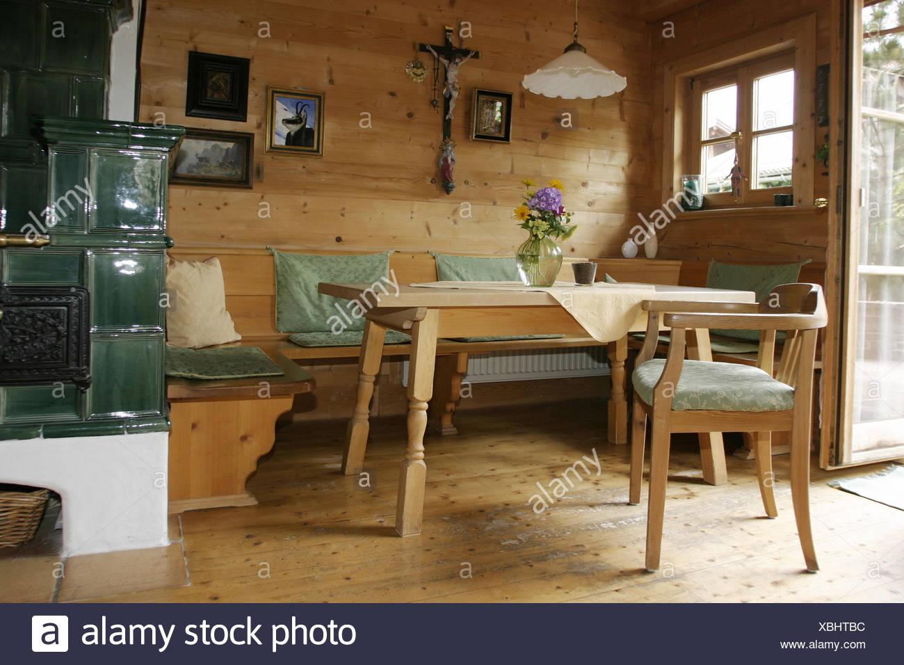 Soggiorno Pranzo Cucina : Sala residenziale stufa in maiolica camera salotto cucina