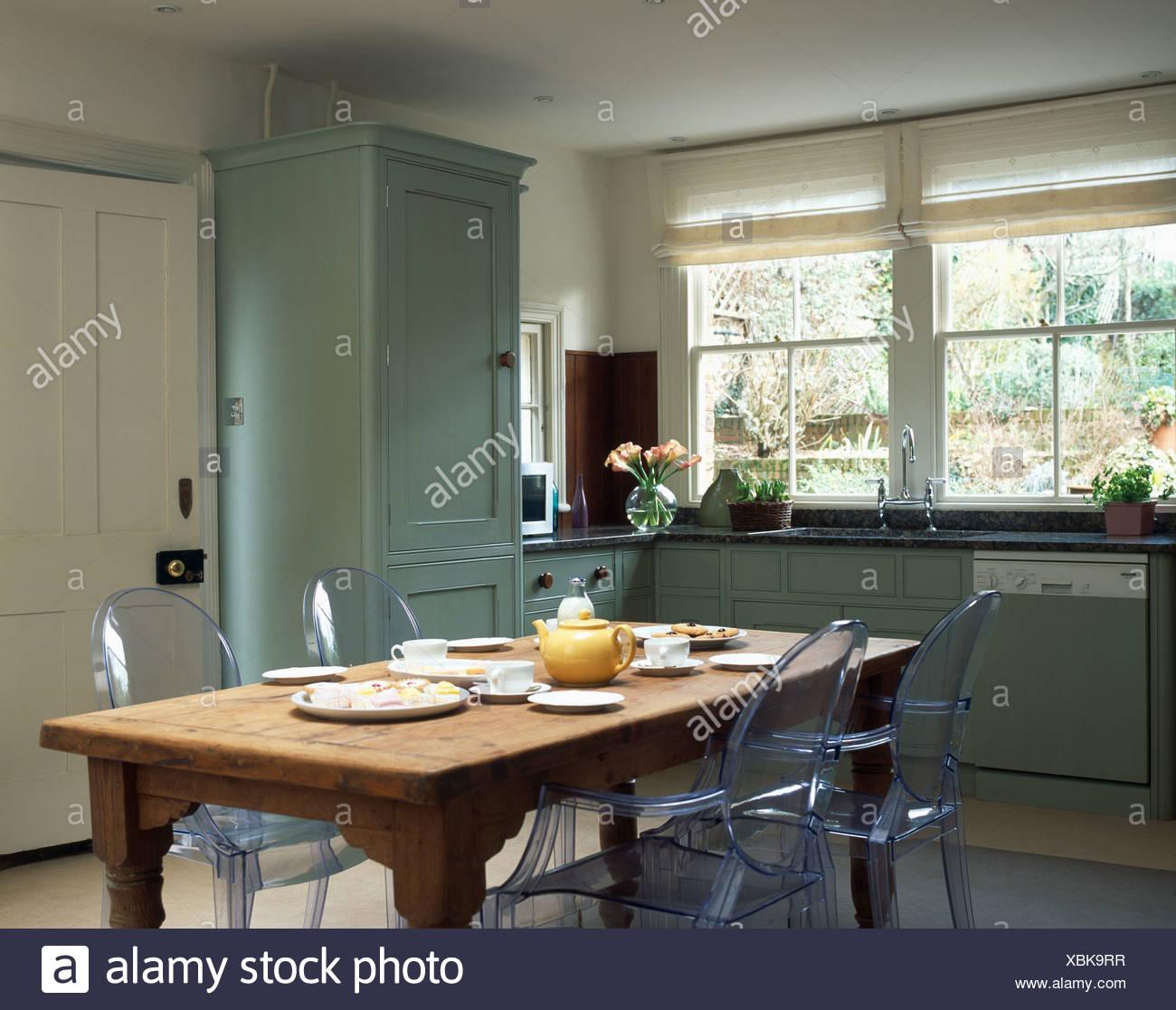 Philippe Starck Ghost sedie a pino antico tavolo in cucina ...