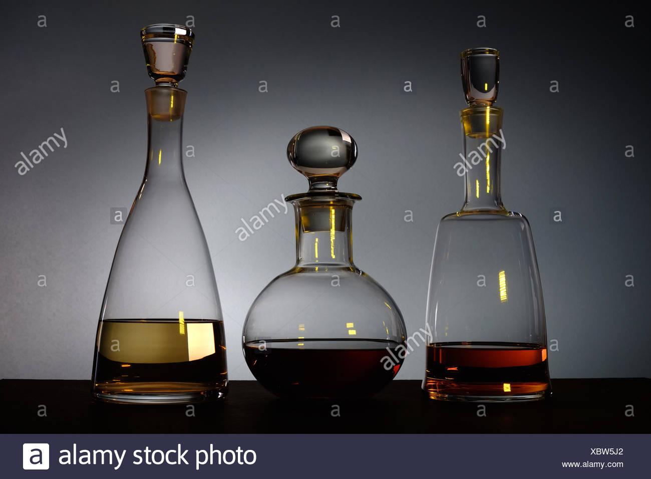 marchi riconosciuti materiali di alta qualità aliexpress Spia gialla si riflette tre vetro decorativo decantatori con ...