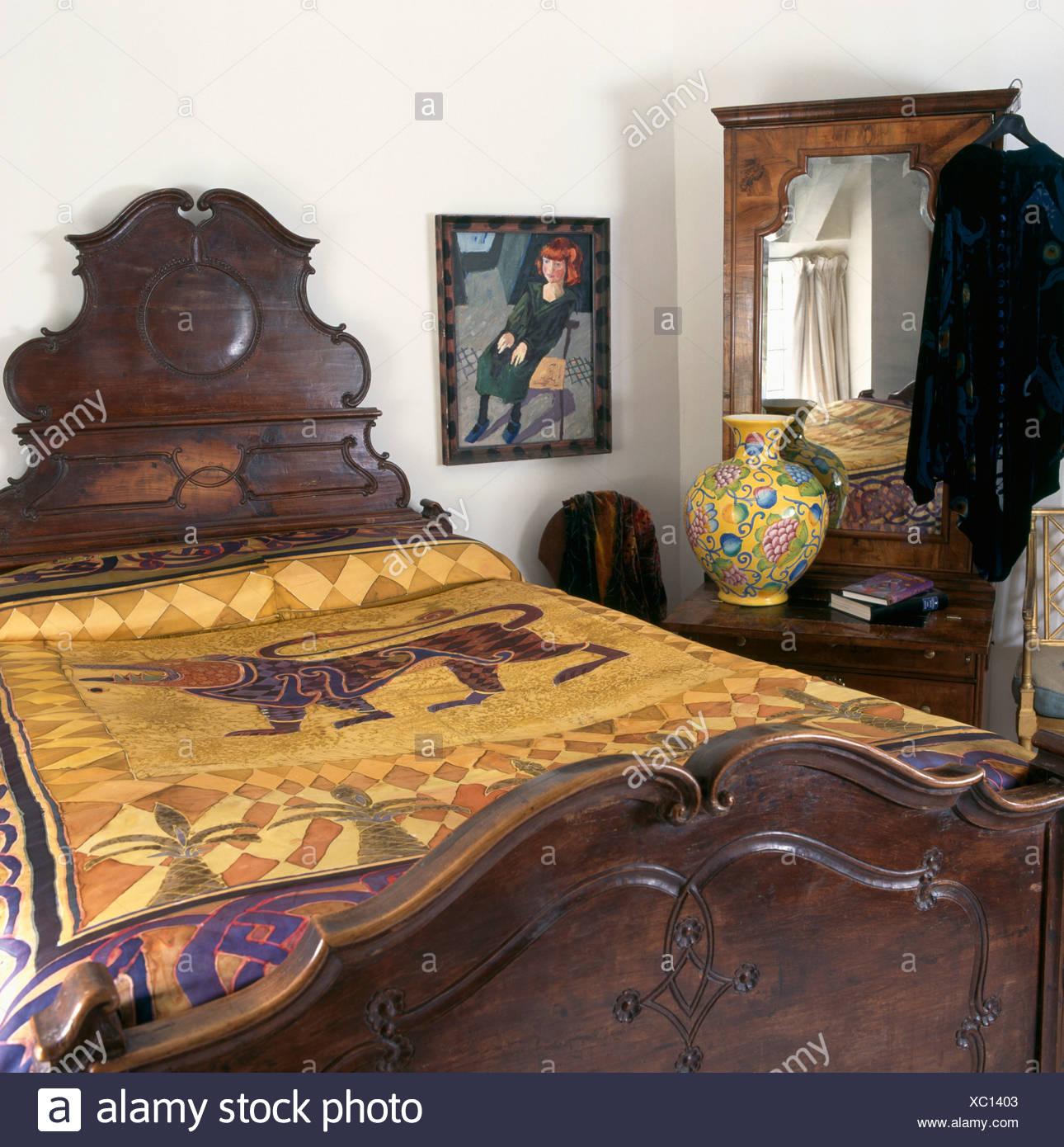 Lo stile orientale oro seta dipinta a mano il coperchio sul ...