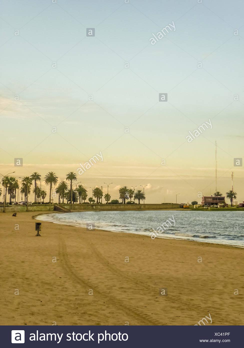 Spiaggia vuota di Montevideo in Uruguay Immagini Stock