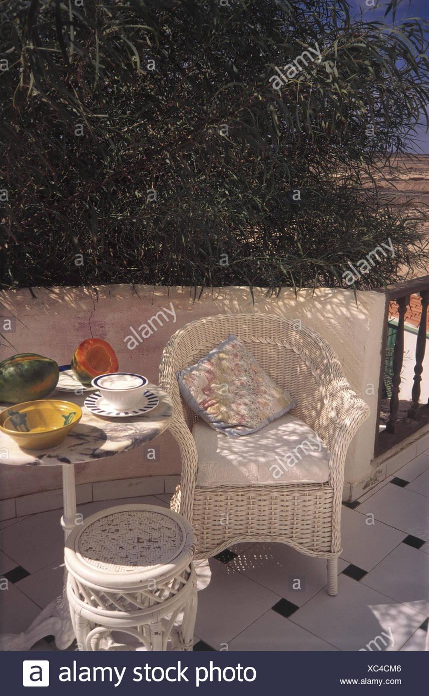Poltrone in vimini da esterno for Arredo terrazza giardino offerte