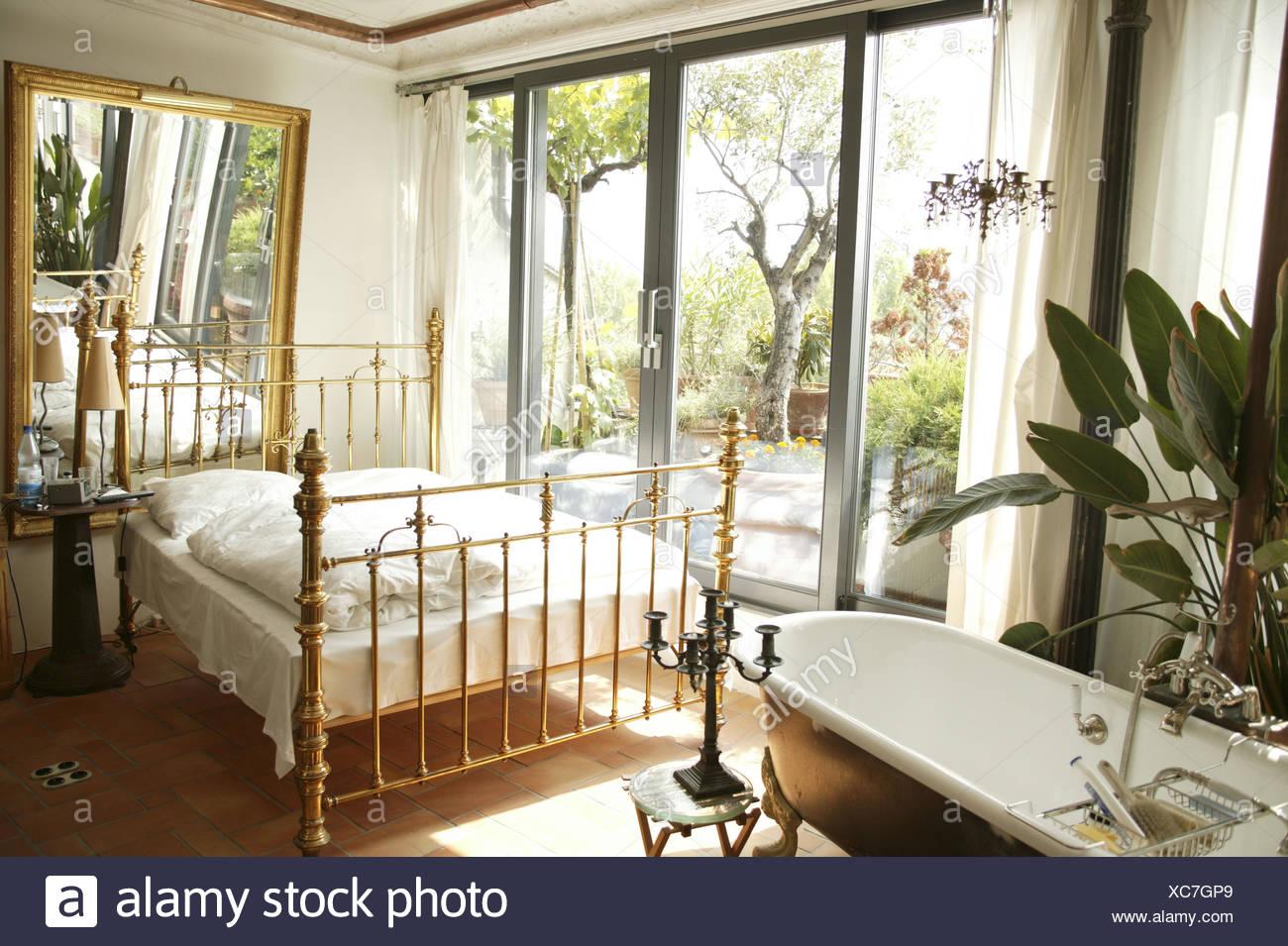 Camera da letto, letto, parete, riflettore, bagno, terrazza ...