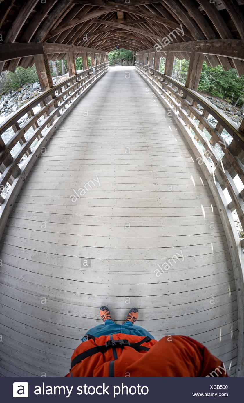 Canada, British Columbia, ponte di legno in Whistler Immagini Stock