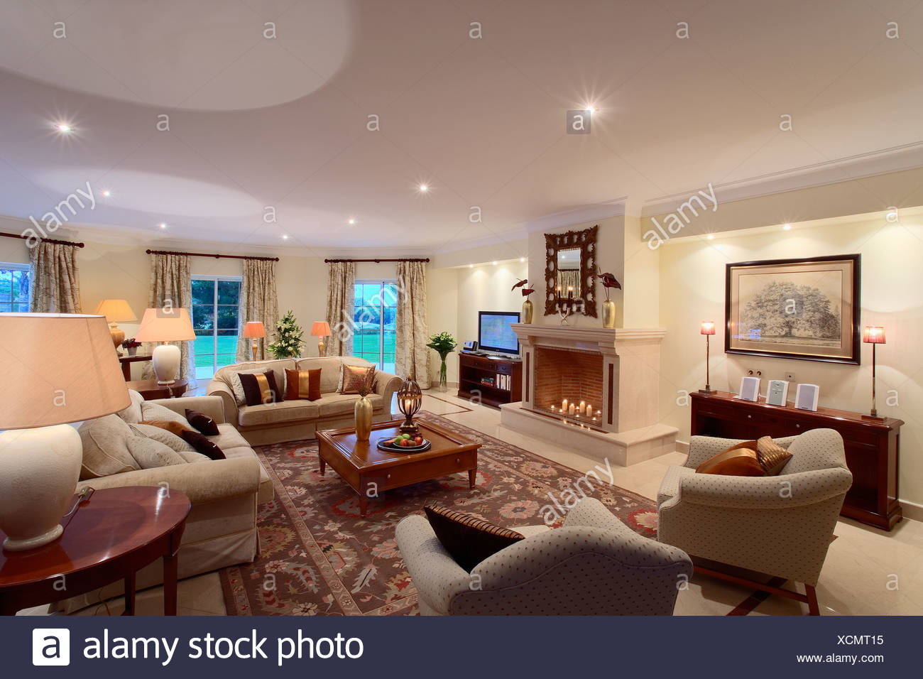 Interiors modern livingroom neutral immagini & interiors modern