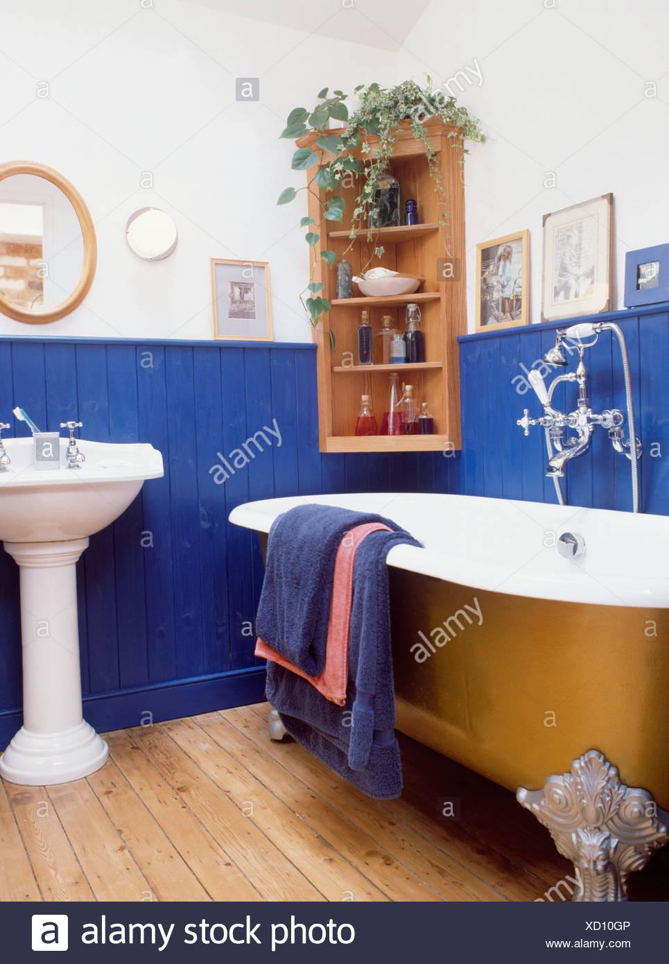 Bagno con boiserie forum per bagni con planimetria with for Boiserie in legno ikea
