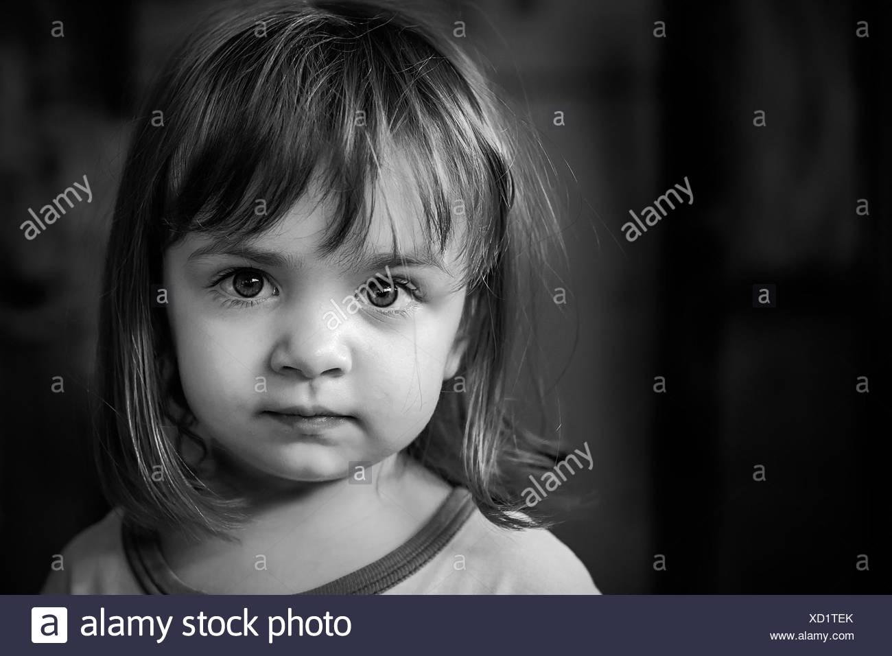 Ritratto di ragazza (2-3) con grandi occhi più belli Immagini Stock