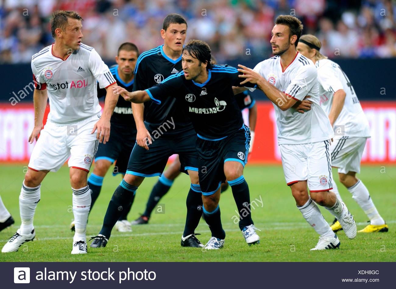 I giocatori di calcio Diego Contento, Raul, Kyriakos Papadopoulos e Ivica OLIC, a sinistra e a destra, Liga totale Cup 2010, Campionato totale Immagini Stock