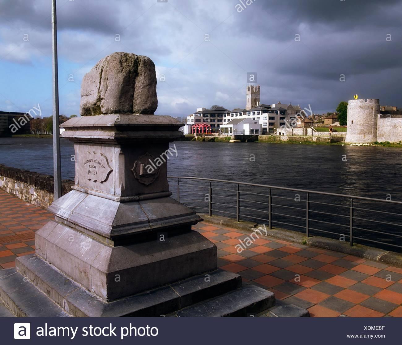 Trattato di pietra, Limerick, co limerick, Irlanda; sito della firma del Trattato di Limerick Immagini Stock