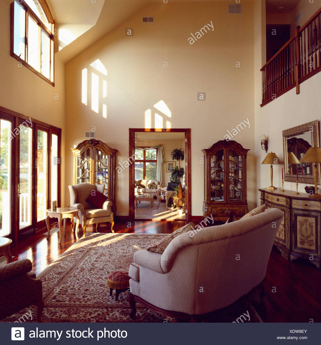 Pareti colorate soggiorno moderno for Simulatore arredamento
