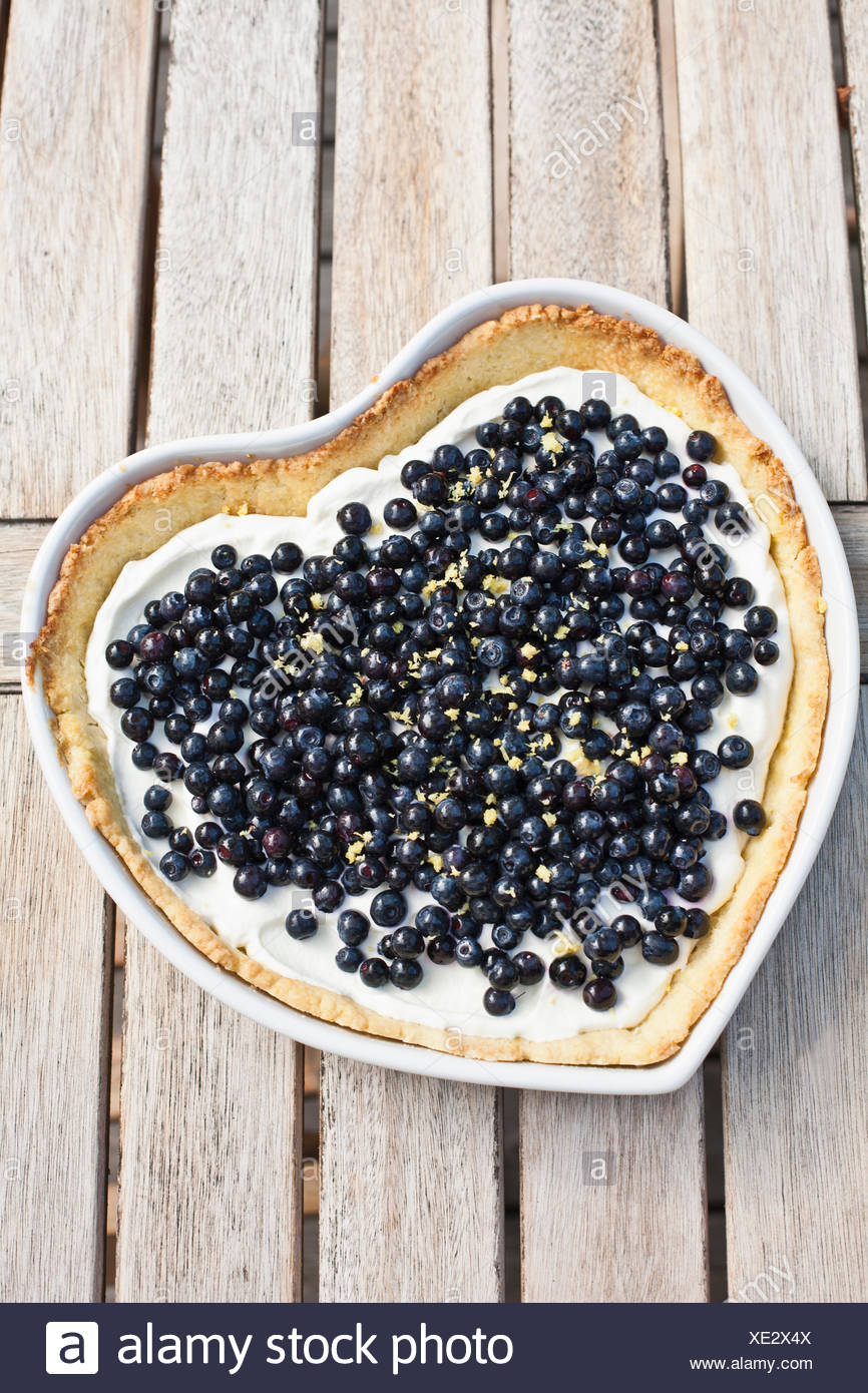 La Svezia, a forma di cuore torta di mirtillo europeo Immagini Stock
