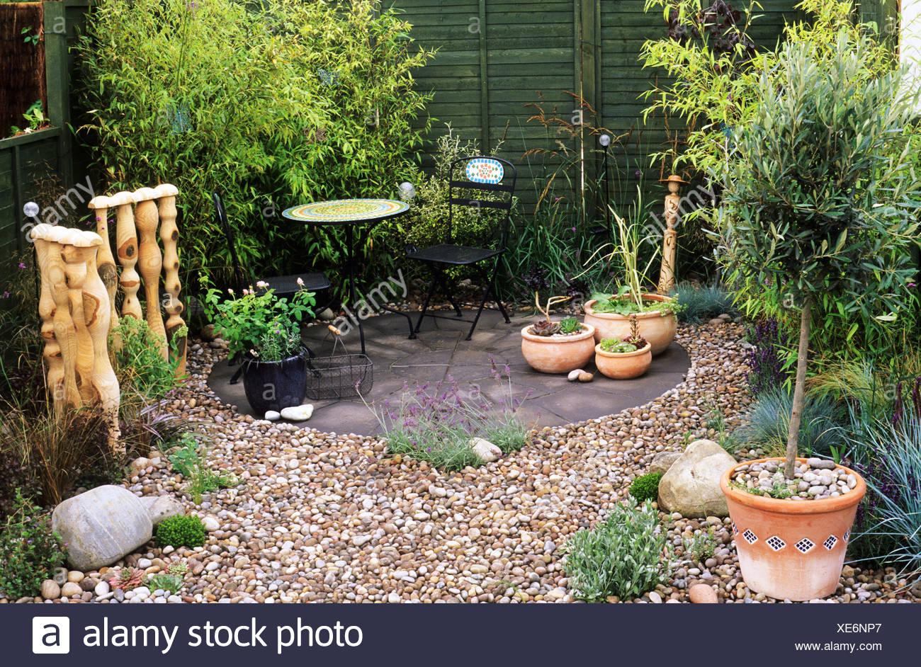 Giardino di ciottoli con bamb sandringham flower show for Foto piccoli giardini