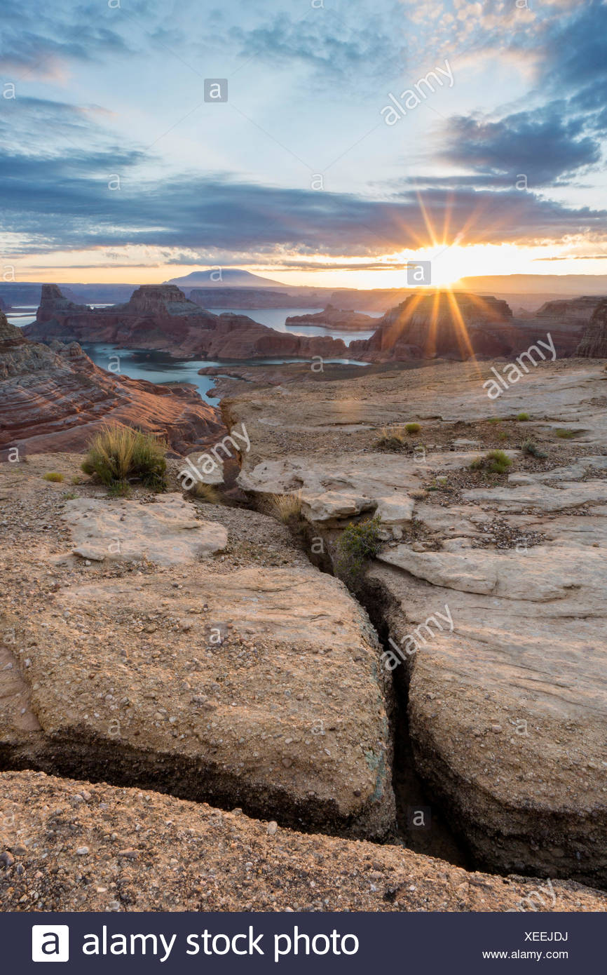 Sunrise al punto alstrom, Lake Powell, Glen Canyon National Recreation Area, pagina, tra Arizona e Utah, Stati Uniti d'America Immagini Stock