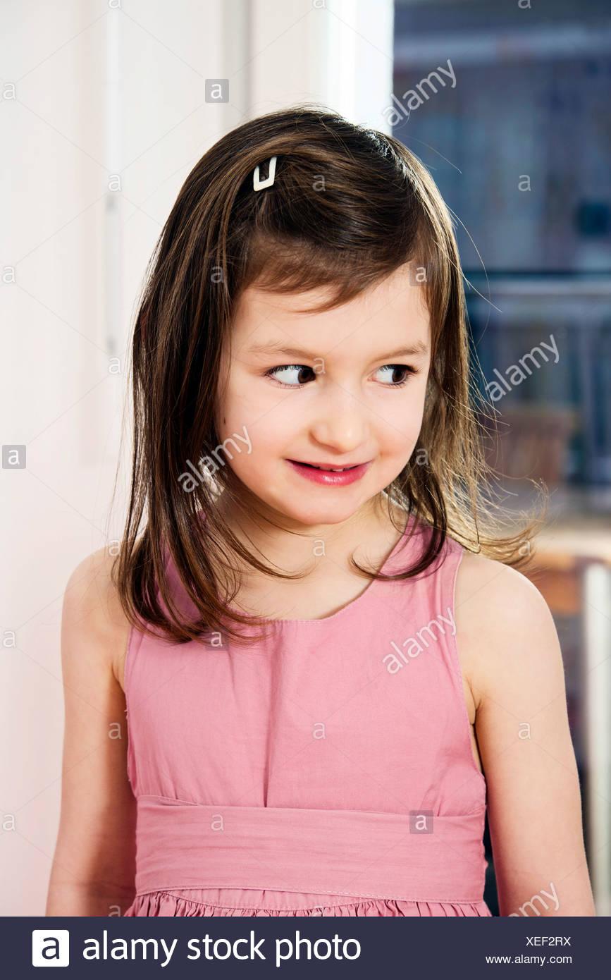 Ragazza con capelli castani, ritratto Immagini Stock