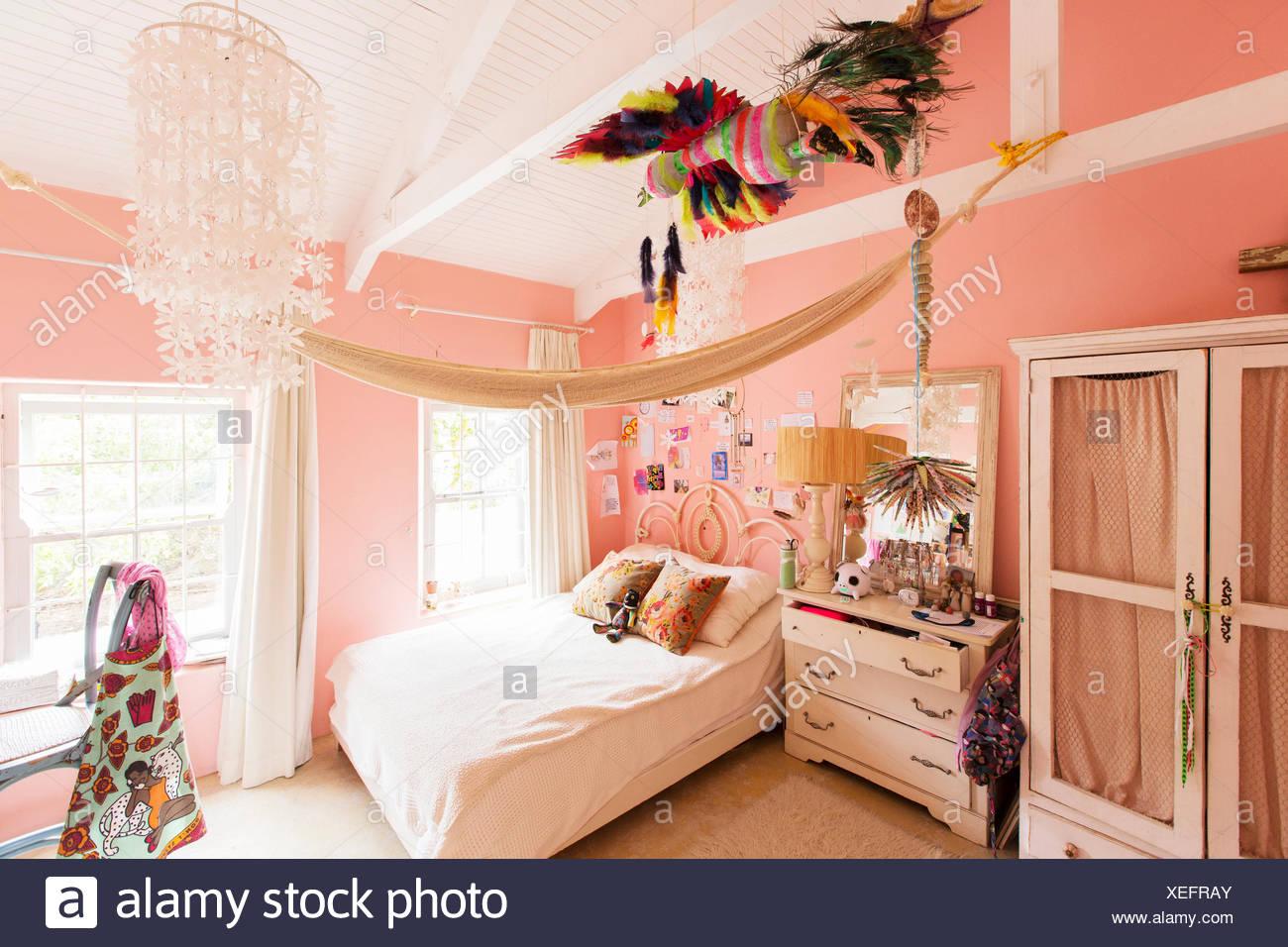 Decorazioni in camera da letto di casa rustico Immagini Stock