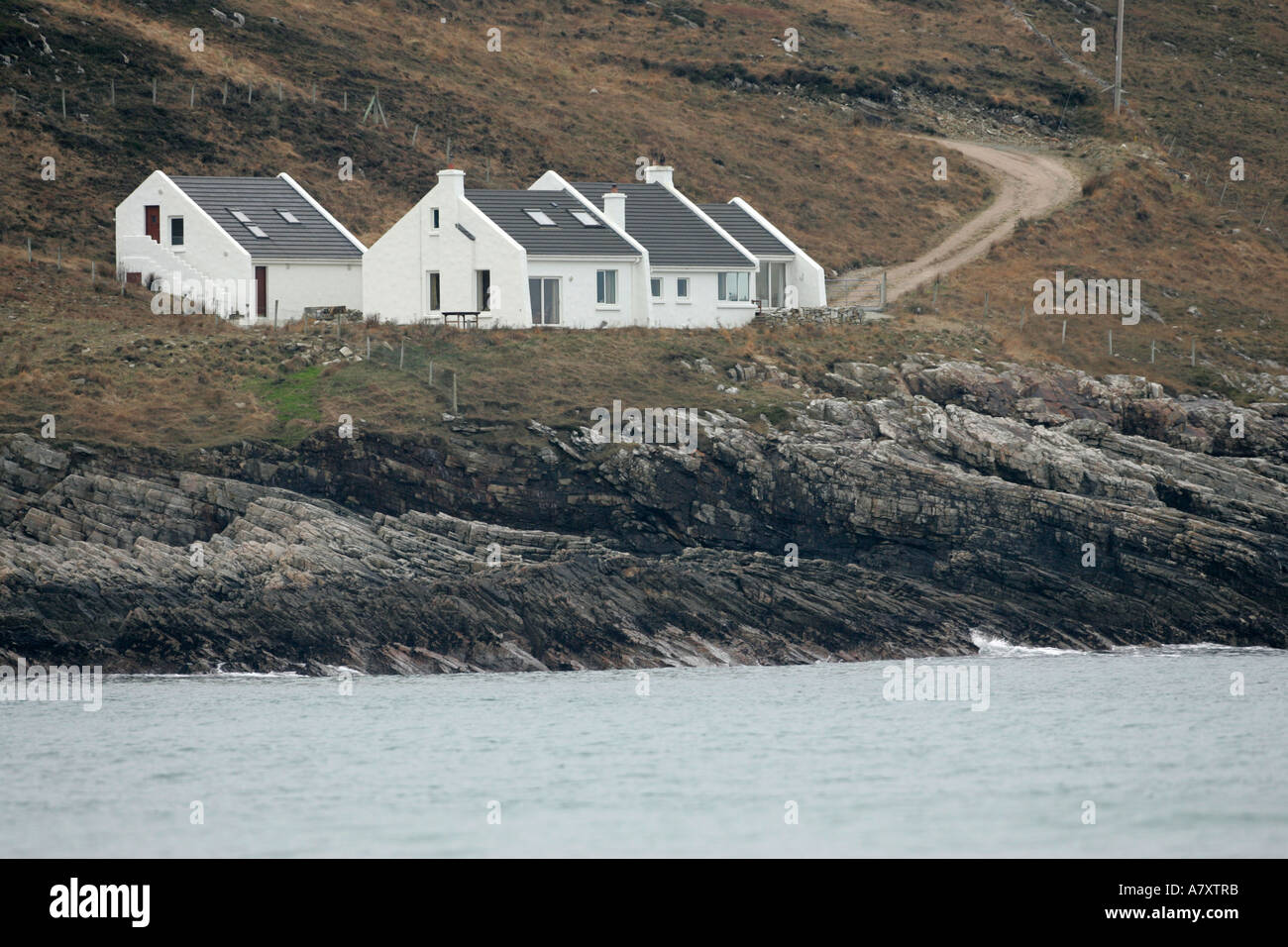 Pleasing Holiday Homes Just Above The Rocks At Tra Na Rossan Beach Download Free Architecture Designs Ferenbritishbridgeorg