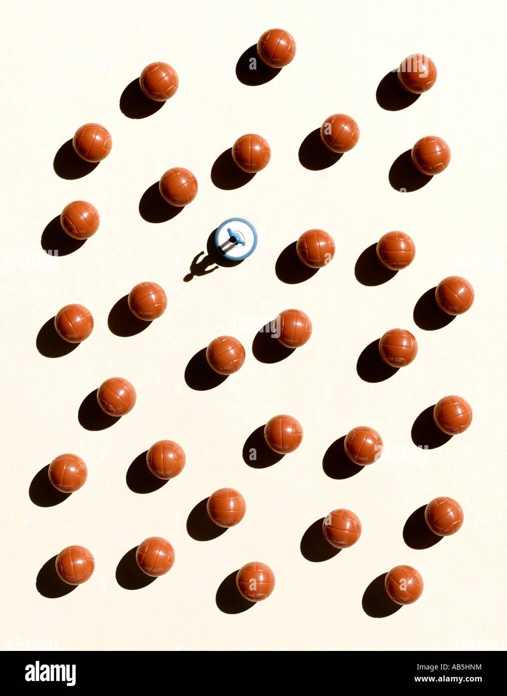 Sobrecarga tiro de bolas e um leitor Subbuteo Imagens de Stock