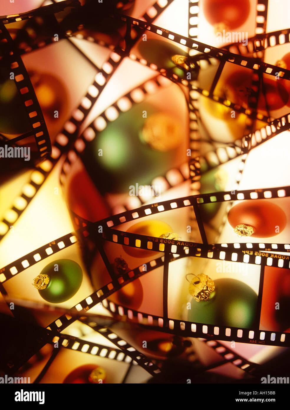 Natal baulbles fotografadas 35mm de película fotográfica Imagens de Stock