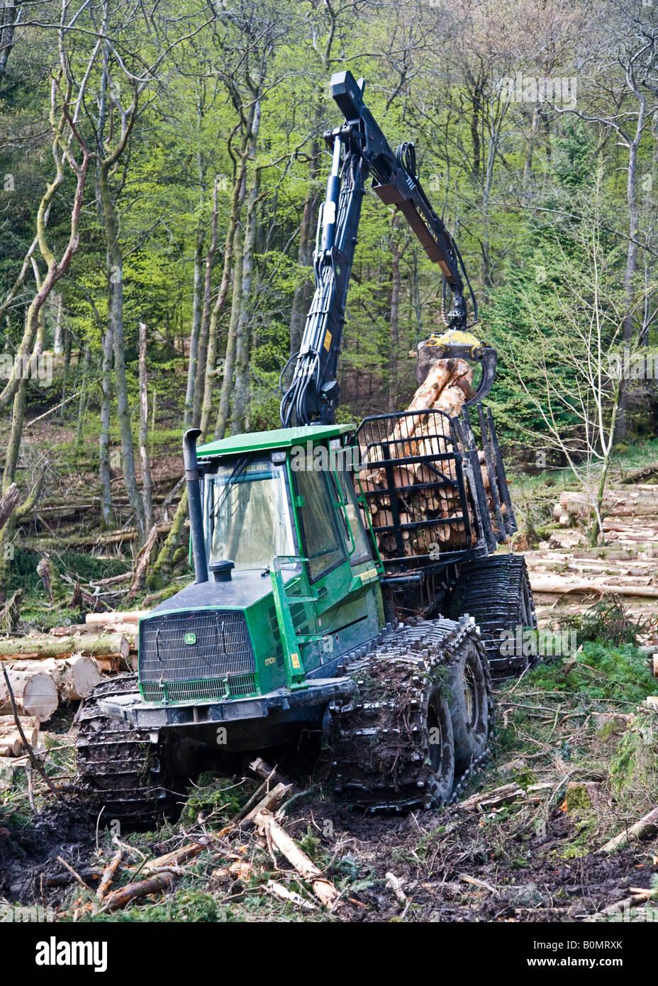 Timberjack fotos timberjack imagens de stock alamy a john deere 1710d timberjack forwarder no trabalho coleta de logs em uma floresta esccia imagens fandeluxe Gallery