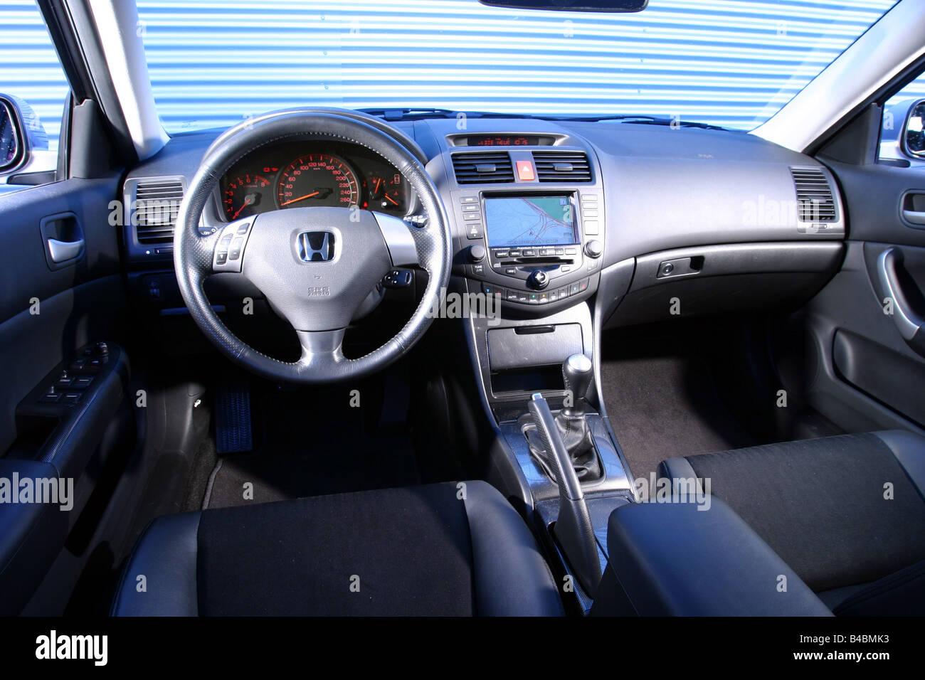 Carro Honda Accord Tourer 2.0i, BICORPO, Classe Média, Modelo Ano 2002 ,  Prata, FGHDS Vista Interior Vista Interior, Cockpit,