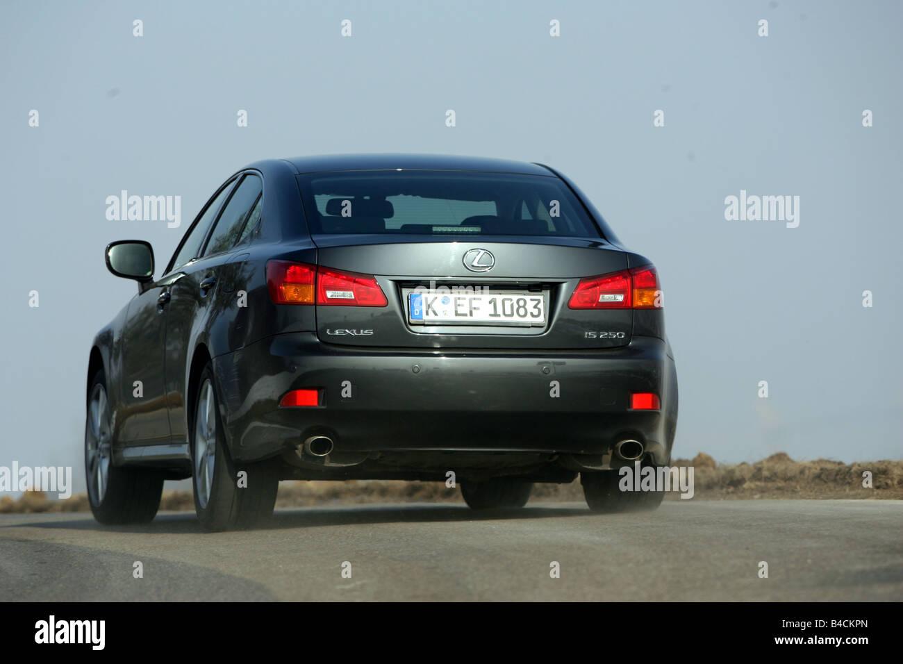 Lexus IS 250, Modelo Ano 2005 , Preto, Condução Na Diagonal A Partir Da  Parte De Trás, Vista Traseira, País Road
