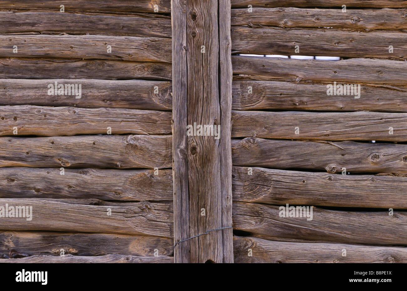 Log suspensa a construção de paredes, outback Austrália Imagens de Stock