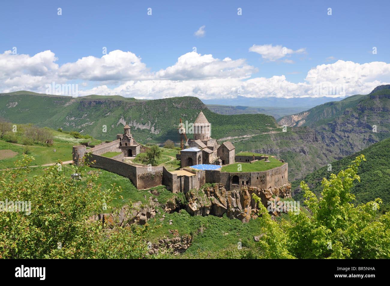 Mosteiro Tatev no Sul da Arménia visto de cima Imagens de Stock