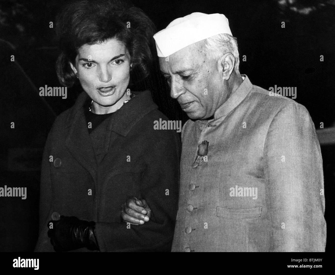 Resultado de imagem para jackie kennedy  primeiro-ministro indiano Jawaharlal Nehru.