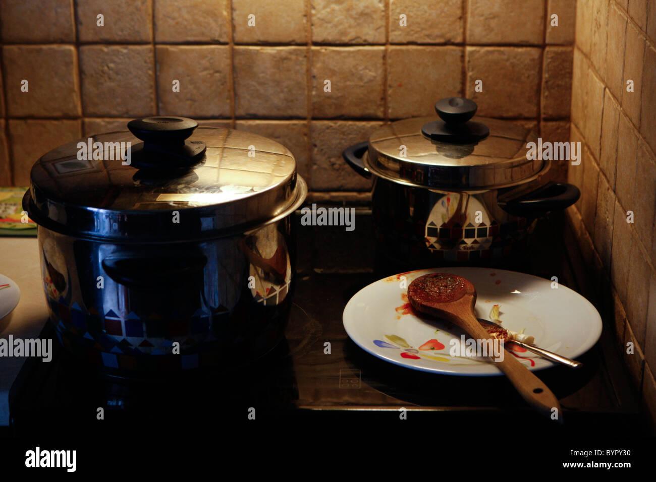 Dirty Cooker Fotos Dirty Cooker Imagens De Stock Alamy