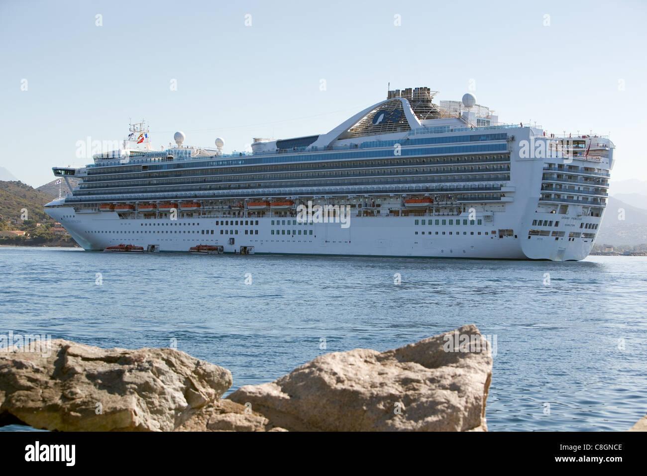De passageiros do navio de cruzeiro Grand