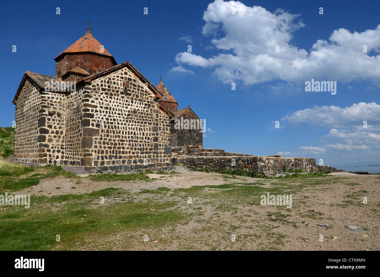 Complexo monástico Sevanavank. Sevan lago. Arménia Imagens de Stock