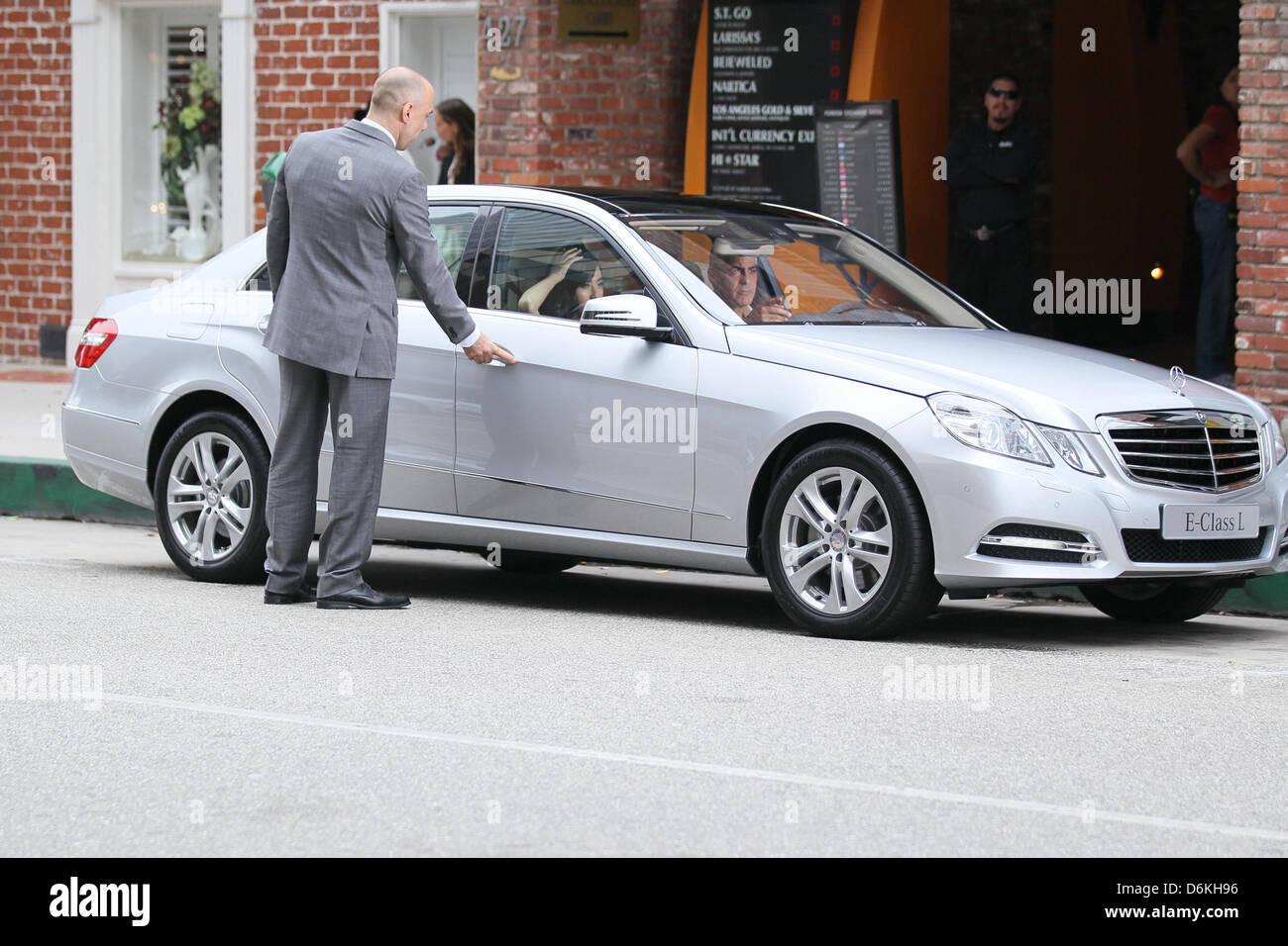 George Clooney Sobre O Conjunto De Um Mercedes Benz E300 L Anúncio Em Beverly  Hills Los Angeles, Califórnia   16.09.11