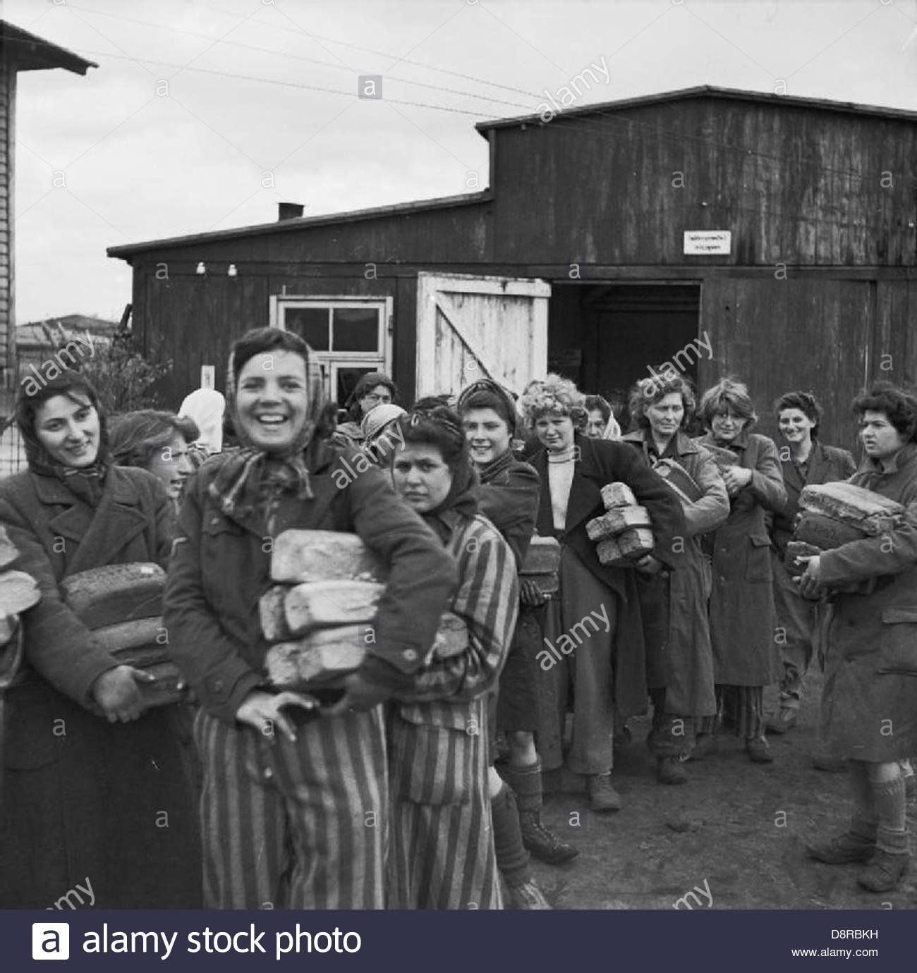 A libertação do campo de concentração de Bergen-belsen, Abril 1945 BU4274. Imagens de Stock