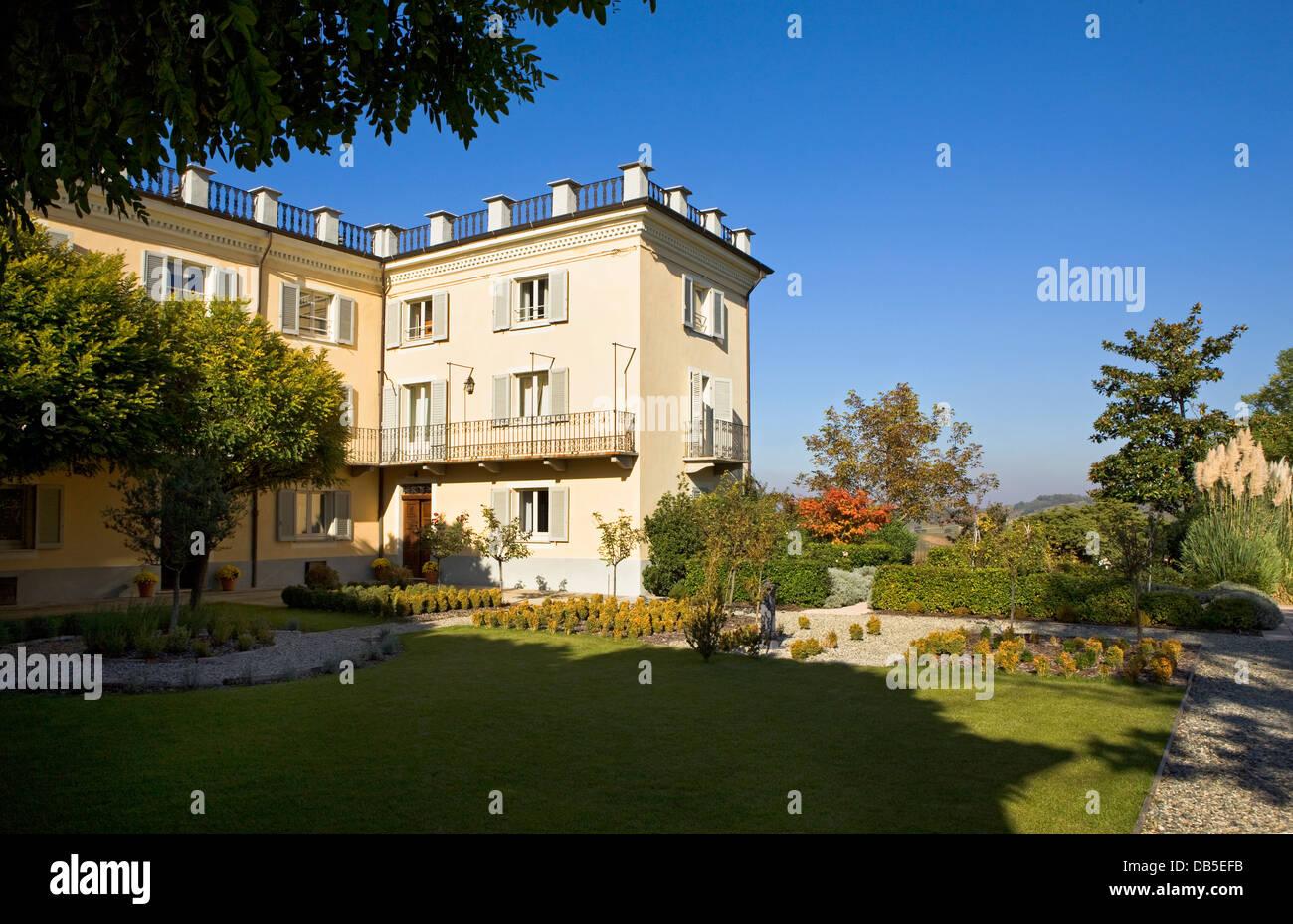 Hotel La Villa Mombaruzzo