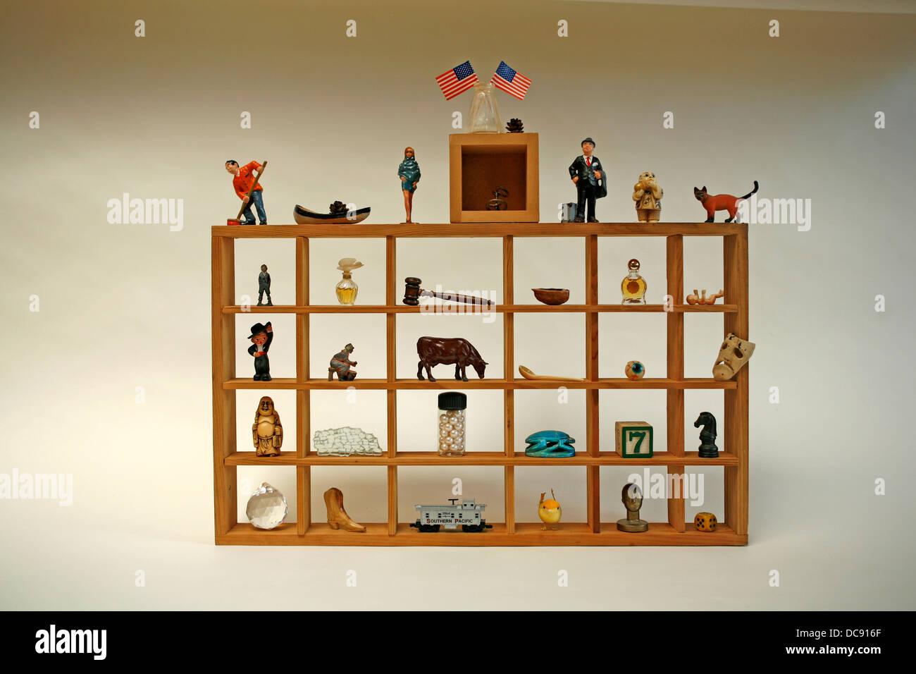 Coleção de itens curiosidades Imagens de Stock