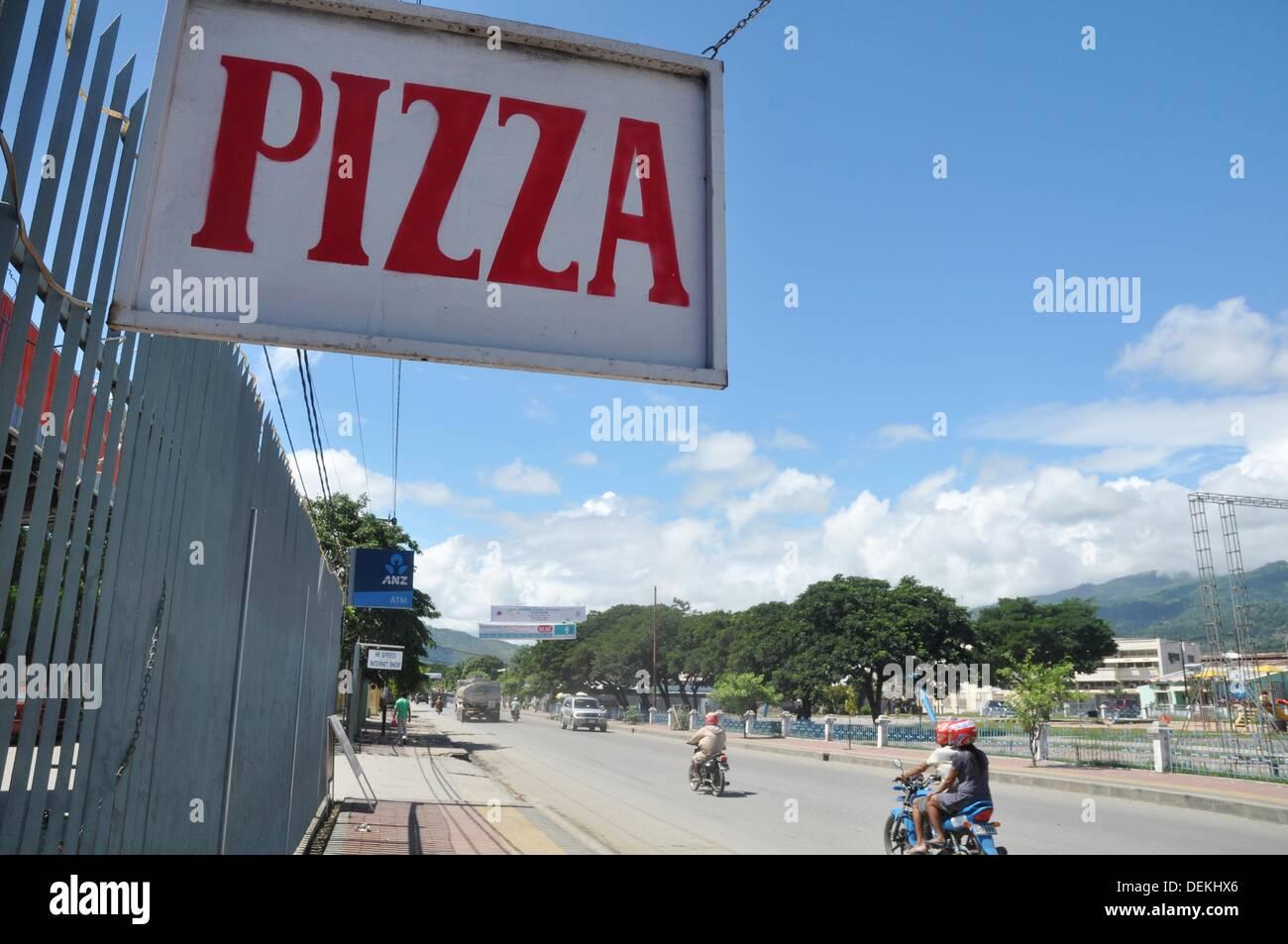 Aeroporto Dili : Dili timor leste : uma pizza a bordo ao longo da estrada principal