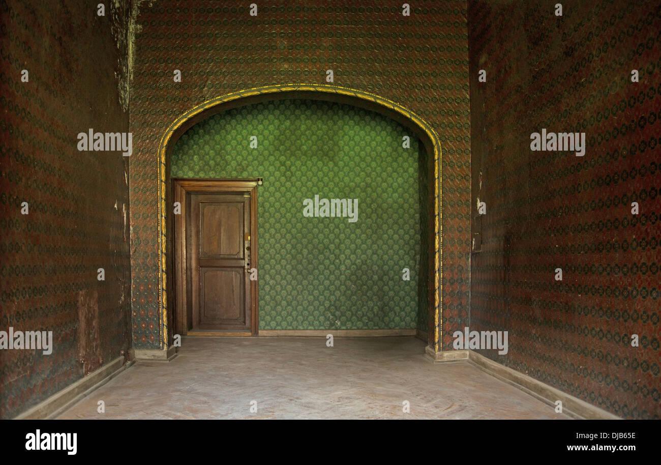 Imagem apresentando antigas interior no edifício antigo Imagens de Stock
