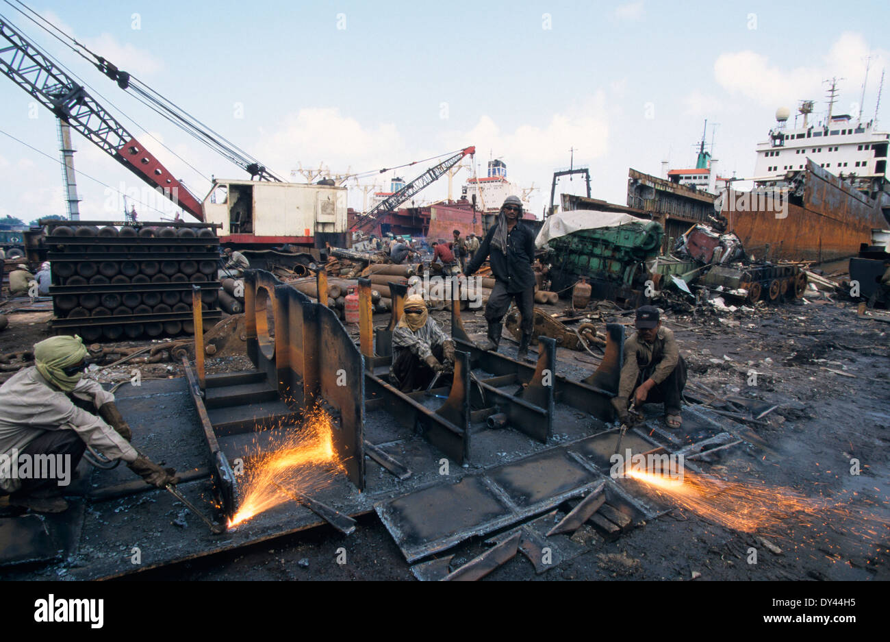 INDIA Mumbai, ship breaking yard in harbor area, cargo ships will be