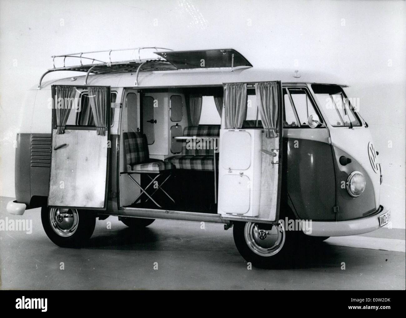 Fev 02 1961 Novo A Volkswagen Camping Car Em 1 De Mar O De 1961  -> Sala Quarto Cozinha Carro