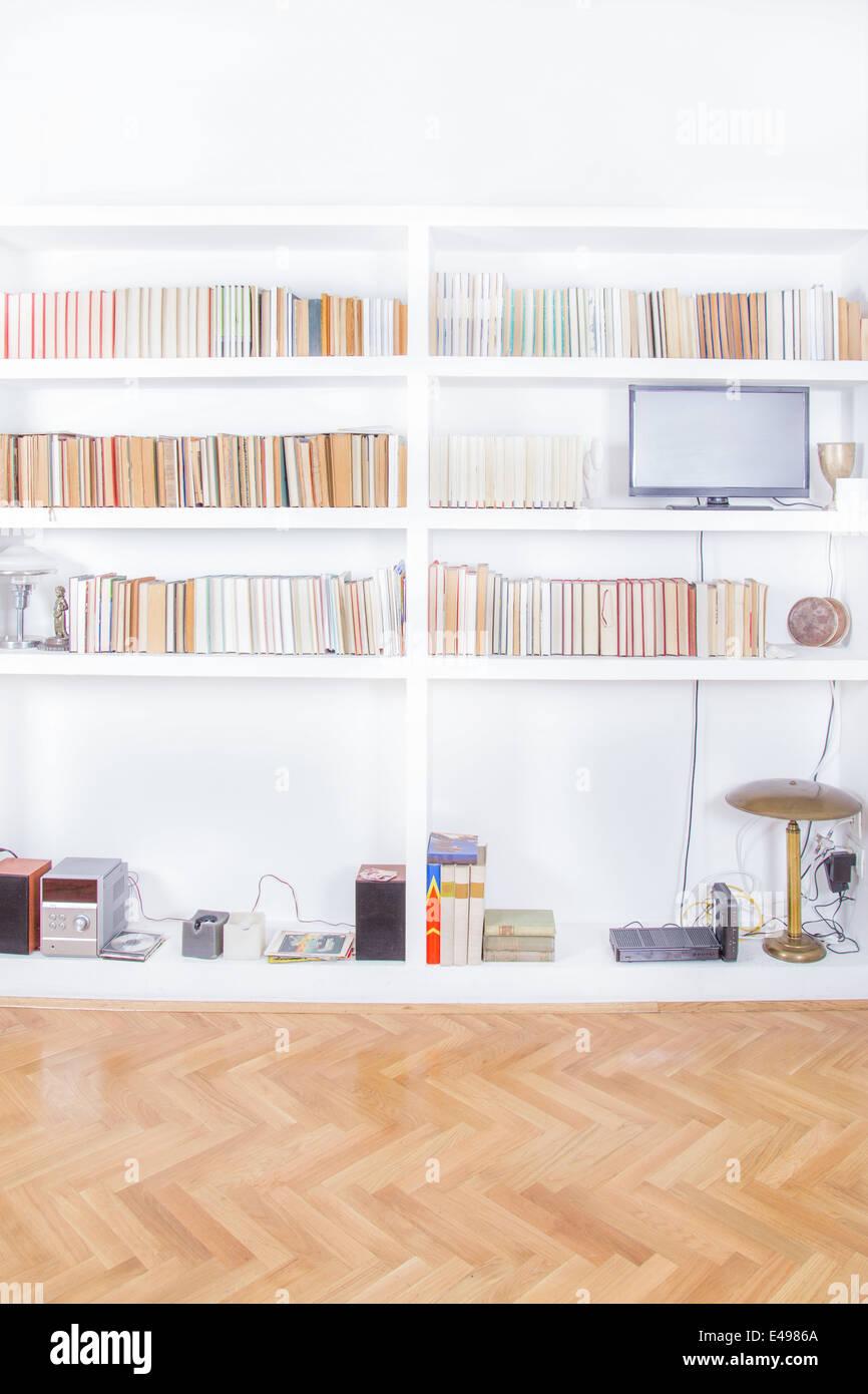 Sala De Estar Com Tv E Estante Renderiza O Atmosfera Dom Stica  -> Sala De Tv E Biblioteca
