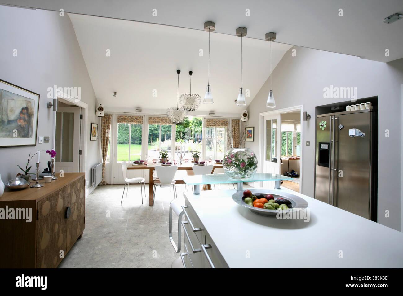 Unidade Ilha Retangular E Piso Em Granito Em Grandes Moderna Cozinha