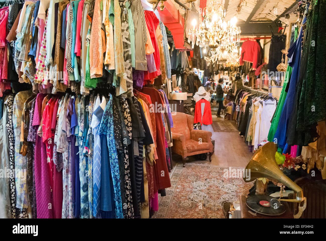 Loja de vestuário retro Imagens de Stock
