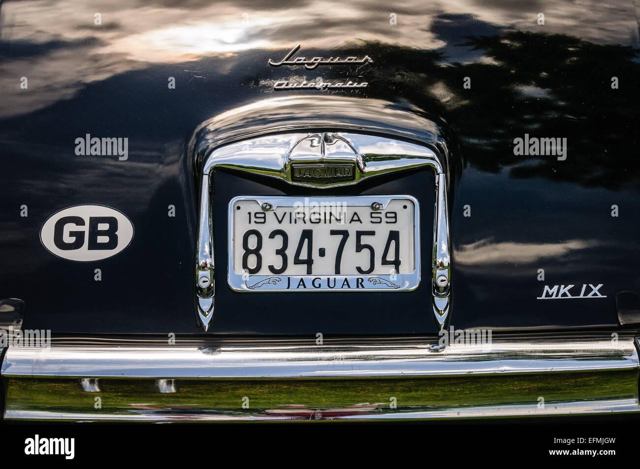1959 Jaguar Mark IX, Antique Car Show, Sully Local Histórico, Chantilly,  Virginia