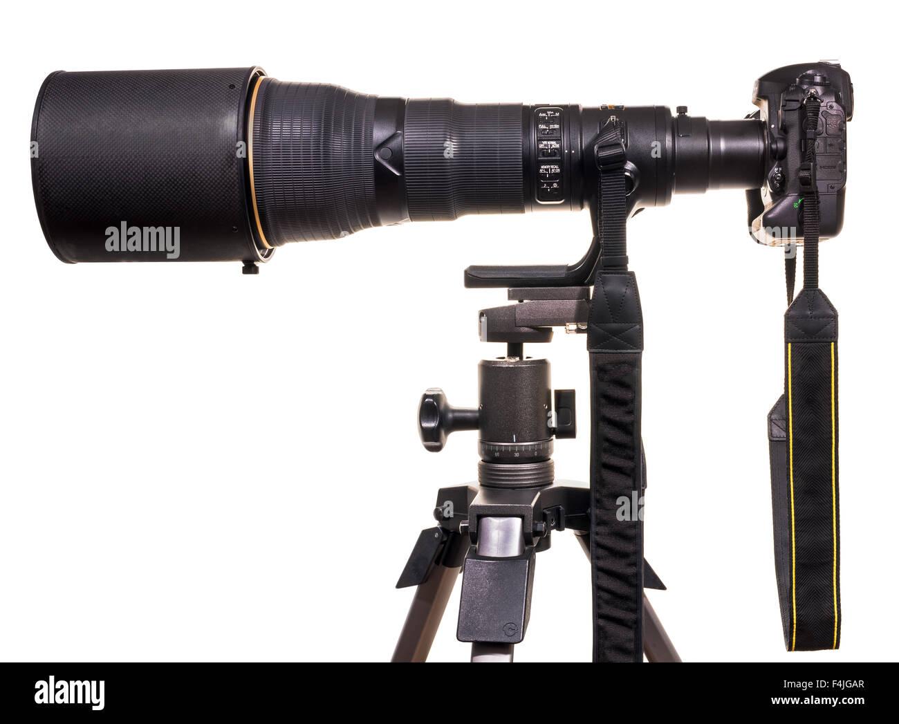 800mm lente na câmara DSLR formato completo. Tripé. Teleobjectiva de ...