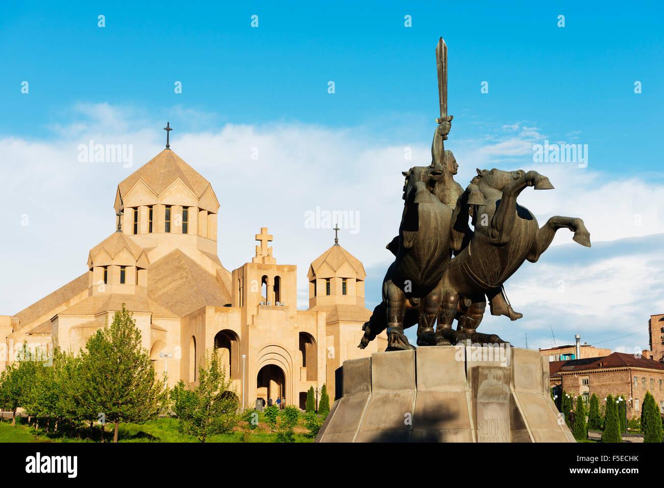 Estátua de s. Grigor na Catedral de São Gregório o Iluminador, Yerevan, Arménia, do Cáucaso, Imagens de Stock