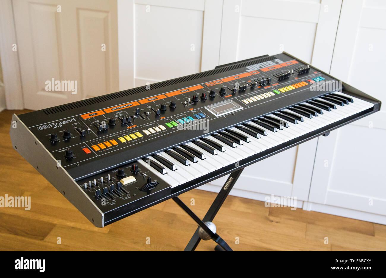 Um sintetizador Roland Jupiter 8 Foto de Stock