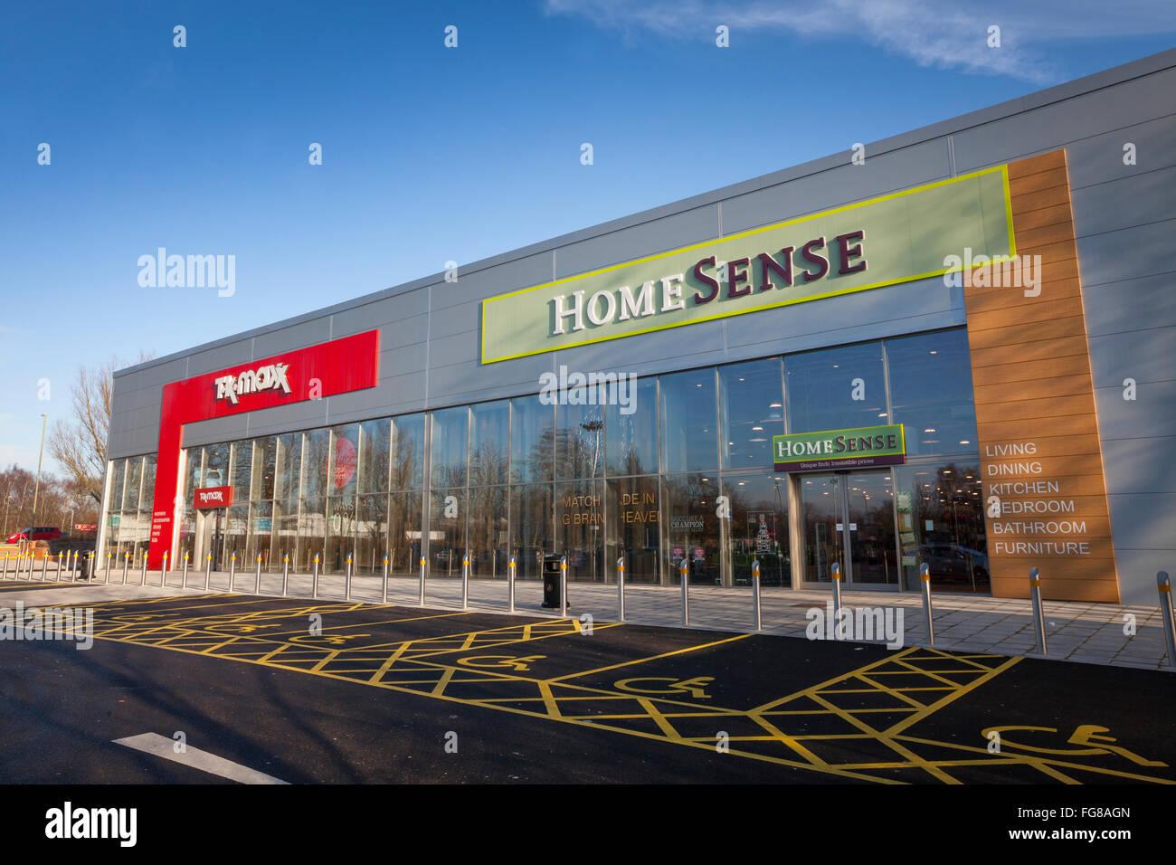Home sentido e TK Maxx store em Hedge End, Hampshire Imagens de Stock